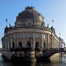 Museum Island viewed from the Spree - photo cult berlin